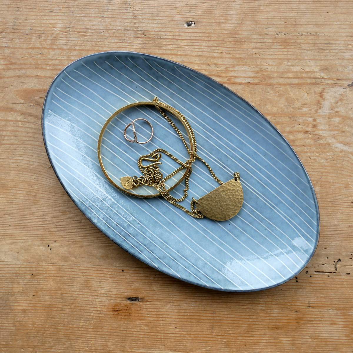 broste-small-oval-nordic-sea-plate