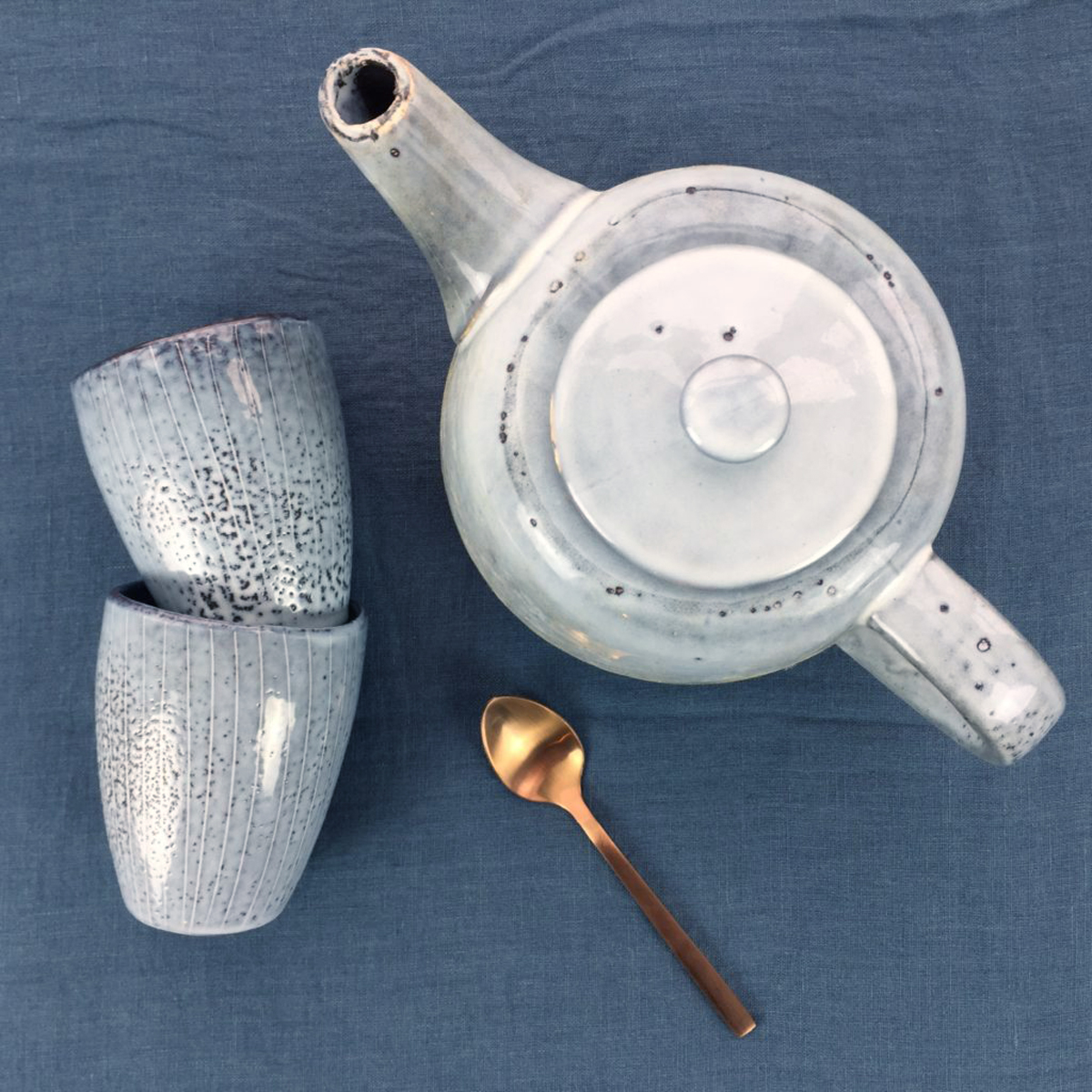nordic sea tea pot & handless mugs