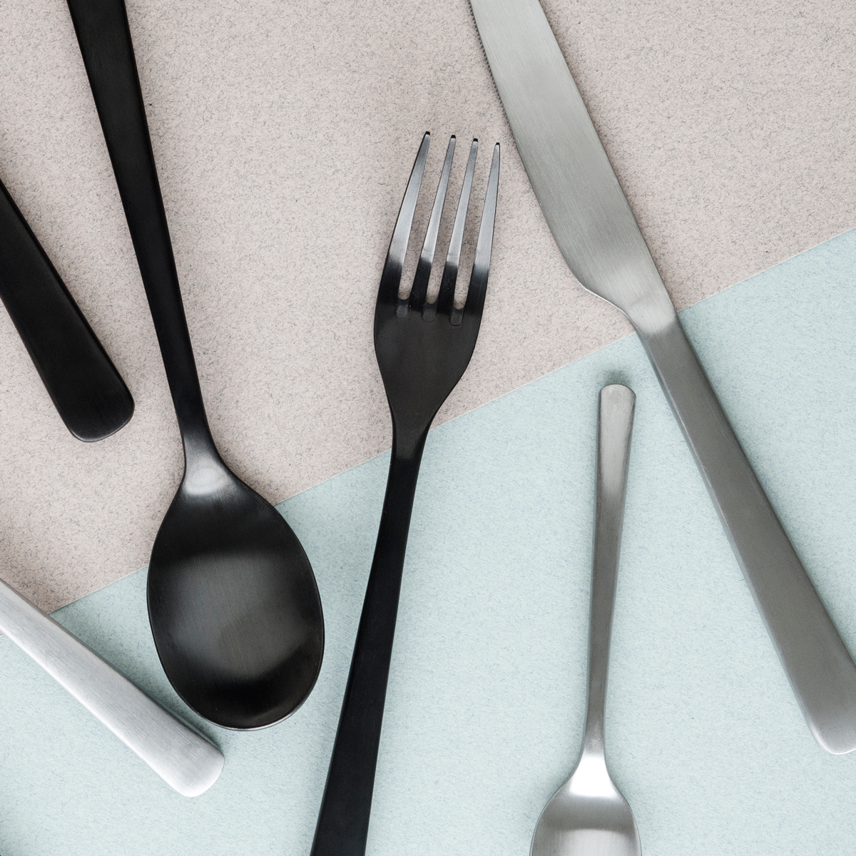Broste-Stainless-Steel-&-Matt-Black-Cutlery