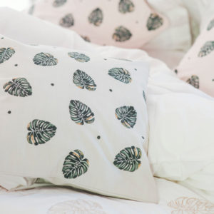 elizabeth-scarlett-palm-leaf-cushion