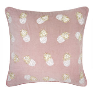 elizabeth-scarlett-pineapple-print-cushion-pink